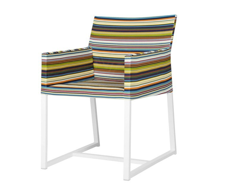 Sled base aluminium garden chair with armrests STRIPE Dining Chair by MAMAGREEN