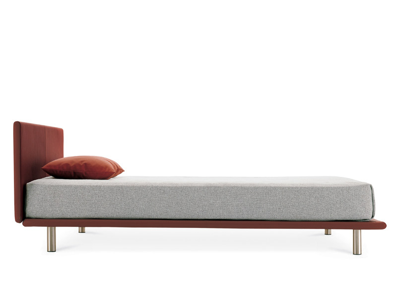milano lit by zanotta design studio d 39 urbino lomazzi jonathan de pas. Black Bedroom Furniture Sets. Home Design Ideas