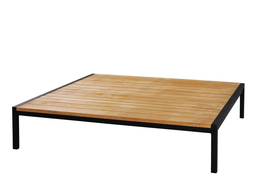 Low aluminium and wood garden side table ZUDU | Coffee table - MAMAGREEN