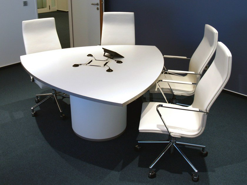 Lacquered meeting table .UNIT | Meeting table by Spiegels