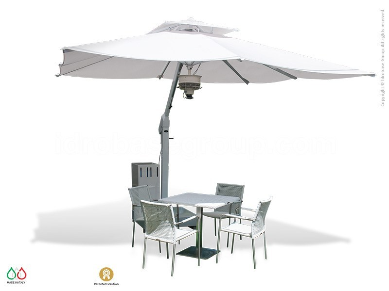 Nuvola cooling umbrella for outdoor areas