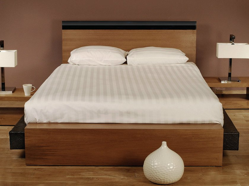 Wooden bed with high headboard PLANUS | Bed by WARISAN