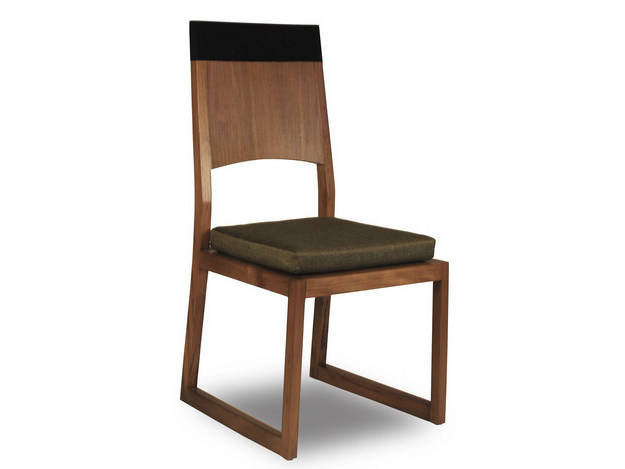 Sled base wooden chair PLANUS | Sled base chair - WARISAN