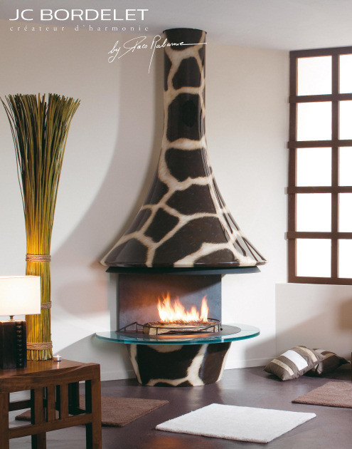Wood-burning wall-mounted fireplace EVA 992 GIRAFE by JC Bordelet