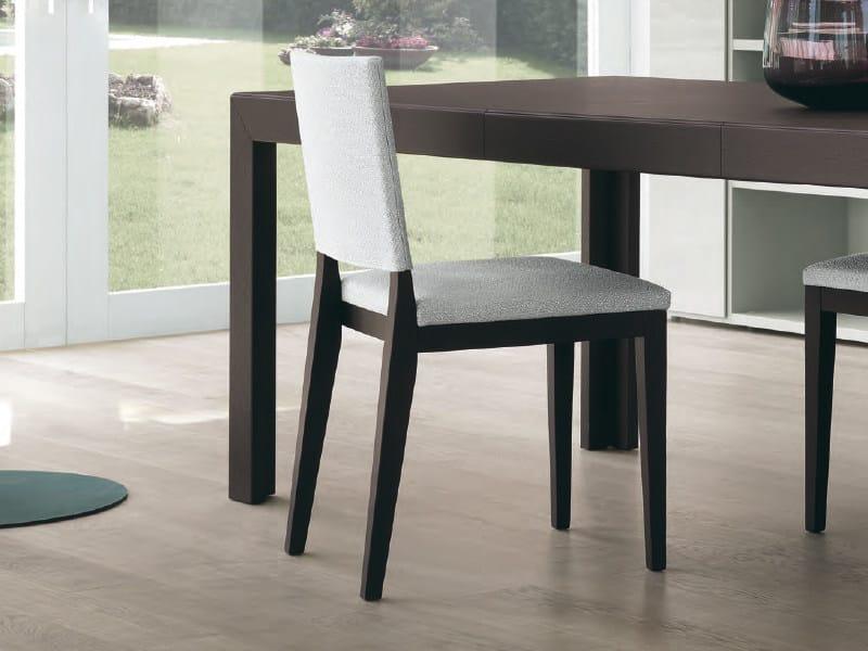 Sedia imbottita in legno VELA - FEG Industria Mobili