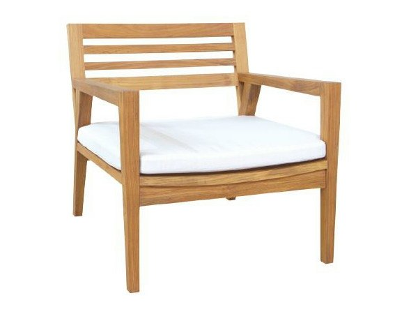 Teak armchair with armrests NEO ANGULO | Armchair by WARISAN