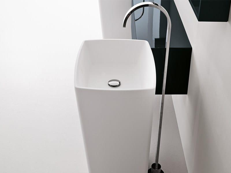Freestanding rectangular Stonematt washbasin DORICO ON ROOM'S CENTER - Edoné by Agorà Group