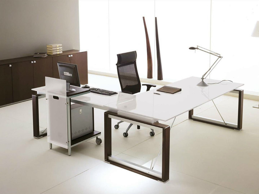L-shaped crystal executive desk ELECTA | L-shaped office desk by IFT