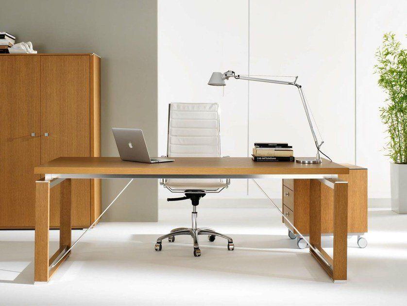 Rectangular wood veneer executive desk ELECTA | Rectangular office desk by IFT