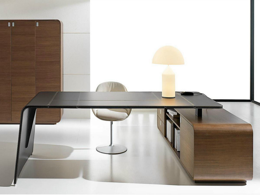 sestante bureau d 39 angle by ift design nikolas chachamis. Black Bedroom Furniture Sets. Home Design Ideas