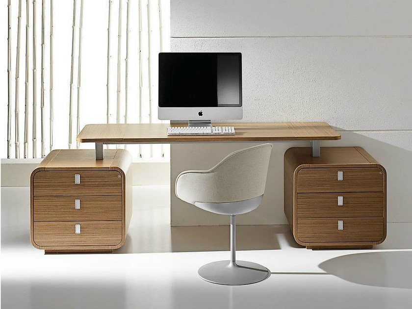 Rectangular wood veneer executive desk with drawers SESTANTE | Office desk with drawers - IFT