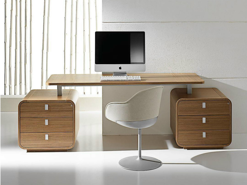 Rectangular wood veneer executive desk with drawers SESTANTE | Office desk with drawers by IFT