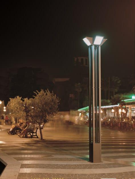 Lampione da giardino in alluminio triangolo city for Lampioni giardino disano