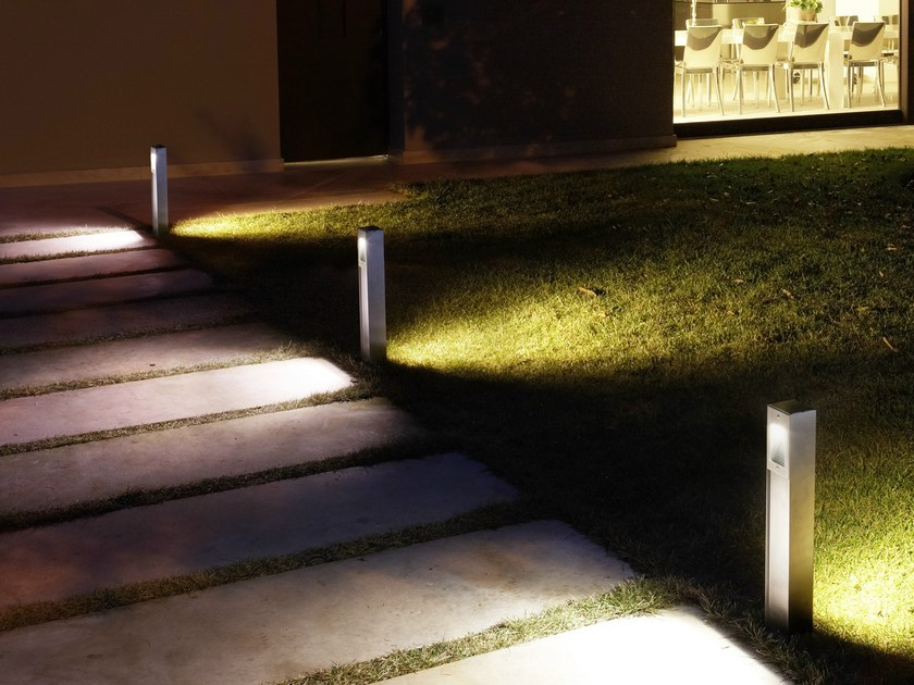 Stainless steel bollard light QUANTUM Post - Goccia Illuminazione