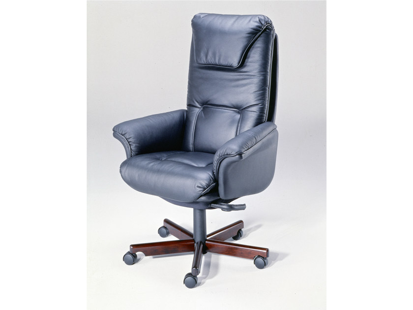 Height-adjustable executive chair with 5-spoke base 9688W | Executive chair - Dyrlund