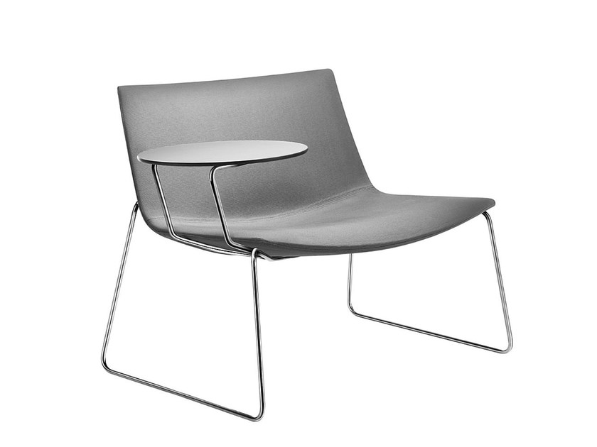 Sled with writing tablet CATIFA 80 | Sled base easy chair by arper