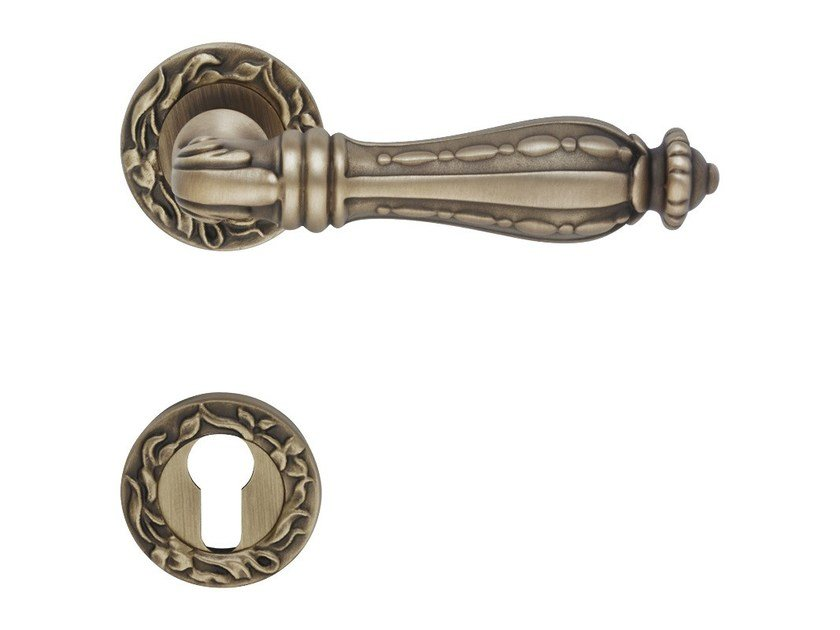 Indian style brass door handle with lock ZAARA | Door handle with lock - LINEA CALI'