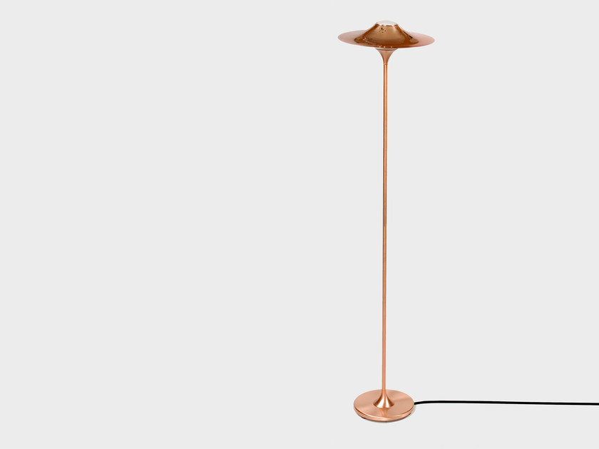 Halogen floor lamp SKEW | Copper floor lamp - Intueri Light
