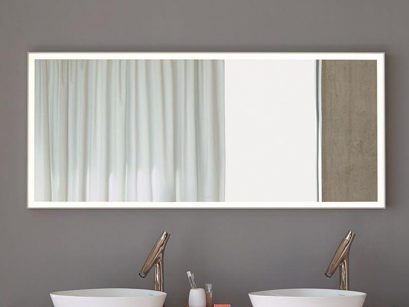 specchio a parete con illuminazione integrata per bagno l
