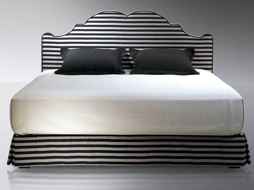 t te de lit haute pour lit double versailles by treca interiors paris. Black Bedroom Furniture Sets. Home Design Ideas