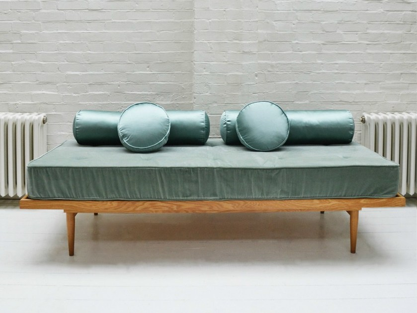 Upholstered fabric day bed DAYBED - Design by nico