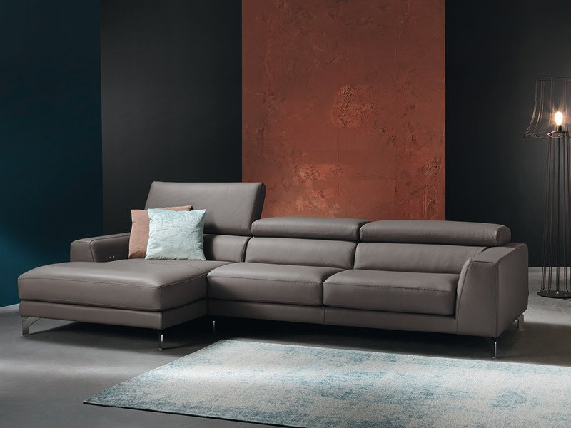 Sofa with chaise longue with electric motion ARENA - Divanidea