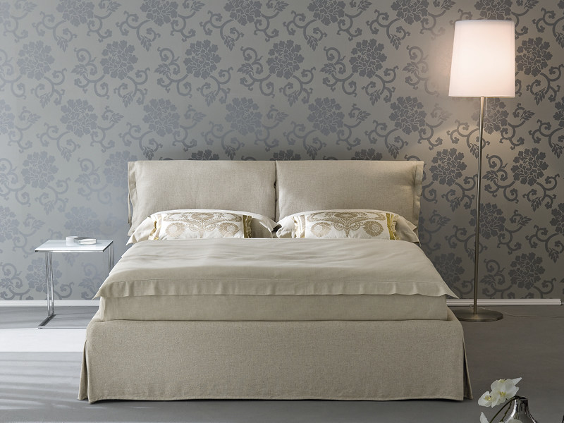 Upholstered double bed NUVOLA by Divanidea