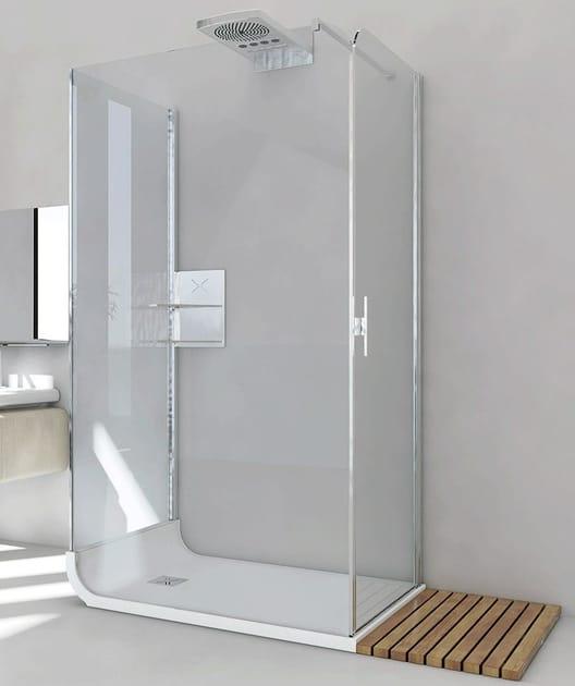 Box doccia centro stanza in cristallo con piatto curve ab for Piani di fattoria con stanza bonus