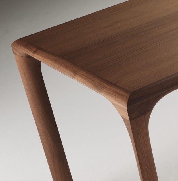 tavolo da pranzo rettangolare in noce sintesi tavolo in noce linfa design. Black Bedroom Furniture Sets. Home Design Ideas