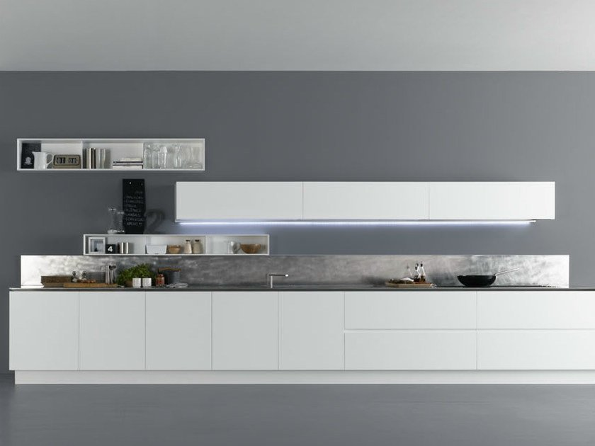 Lacquered wooden kitchen Y | Composition 02 - Zampieri Cucine