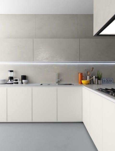 Cucina in ceramica con penisola glasstone cucina zampieri cucine - Verniciare ante cucina ...