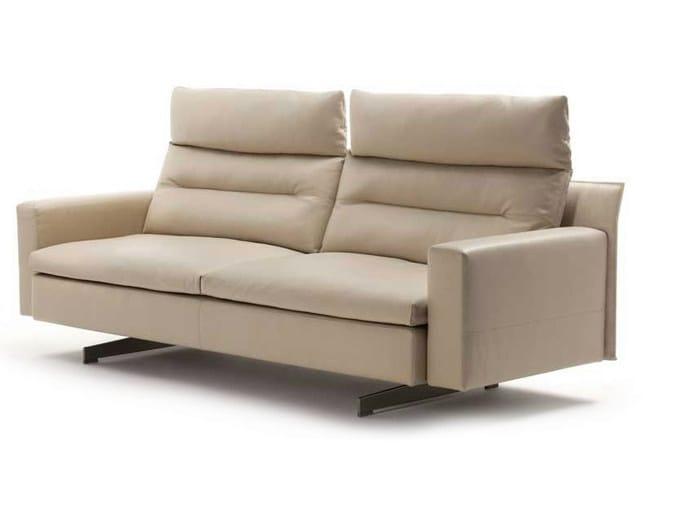 Divano a 2 posti con poggiatesta grantorino divano a 2 for Poltrona frau prezzo