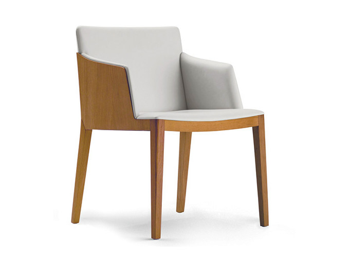 Easy chair with armrests BEATRICE | Easy chair by Poltrona Frau