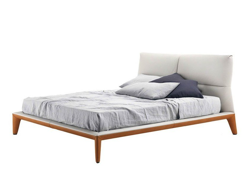 Double bed GISELLE by Poltrona Frau