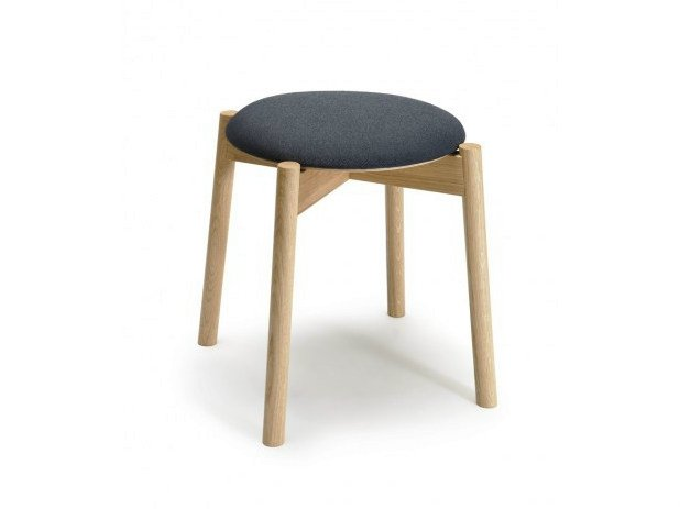 Low wooden stool CAFÉ SKANDI - Nikari