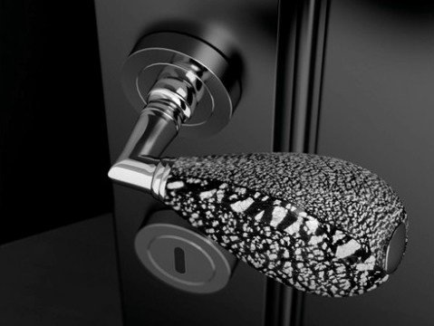 Murano glass door handle with polished finishing GOCCIA BLACK/SILVER LEAF by Glass Design