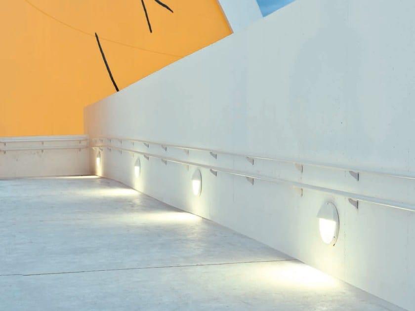 Wall-mounted Fluorescent foot- and walkover light COMFORT - iGuzzini Illuminazione