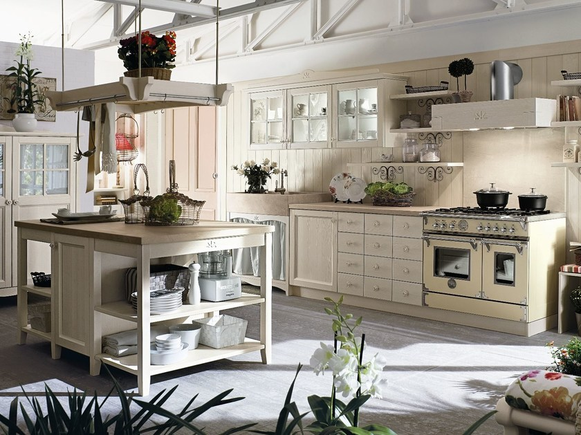 Wooden kitchen with island EVERY DAY | Kitchen by Callesella Arredamenti