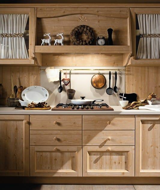 Cucina in legno every day cucina callesella arredamenti for Piani del giroletto in stile missione