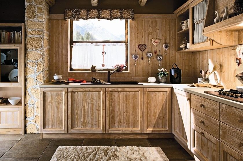 Cucina in legno every day cucina callesella arredamenti - Cucine di montagna arredamento ...