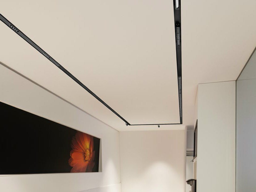 faretto a led multiplo a soffitto laser blade iguzzini. Black Bedroom Furniture Sets. Home Design Ideas