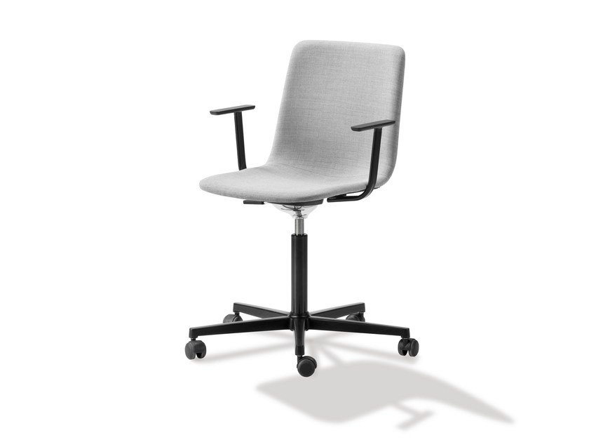 Swivel task chair with armrests PATO EXCECUTIVE OFFICE by FREDERICIA FURNITURE