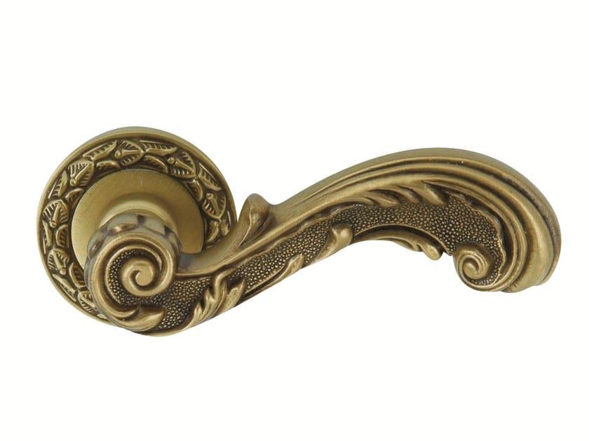 Metal door handle with antique finishing on rose 0R6516.000.44 | Door handle - Bronces Mestre