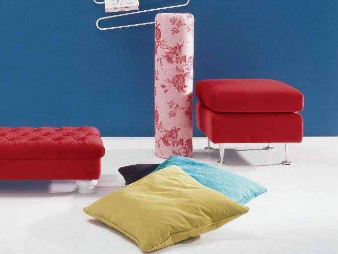 Fabric pouf MINU' by Twils