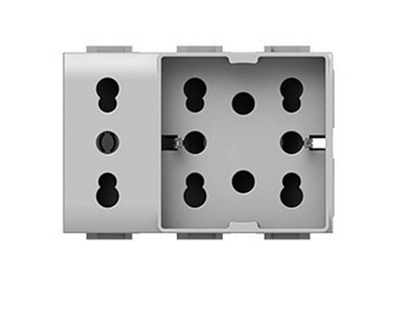 3-Module electrical outlet SIDE UNIKA XL - 4 BOX