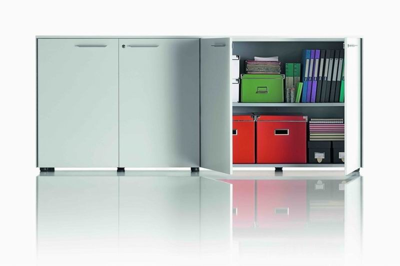 Low office storage unit with hinged doors OP | Low office storage unit - MASCAGNI