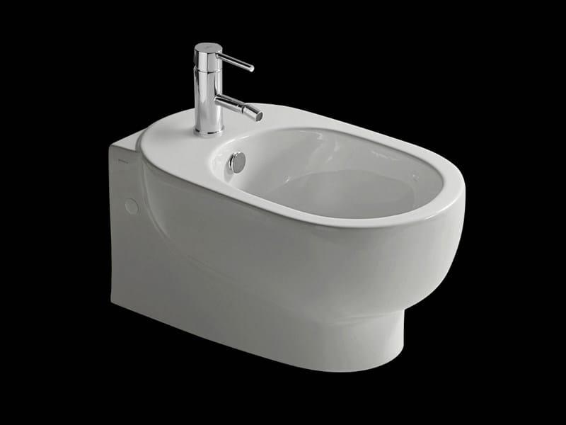 Bidet sospeso in ceramica m2 55 bidet sospeso galassia for Architec bidet sospeso