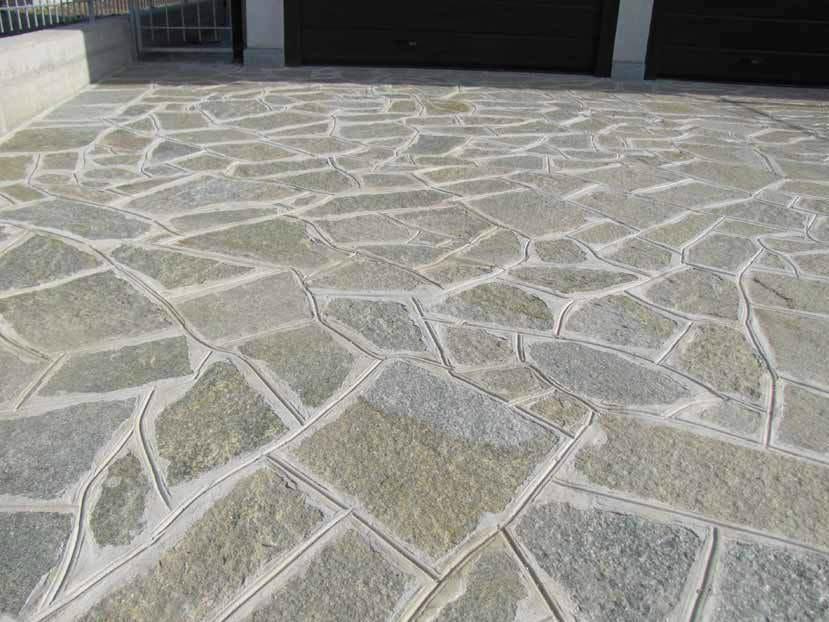 Pavimento per esterni in pietra naturale pietra di luserna for Pavimento esterno in pietra