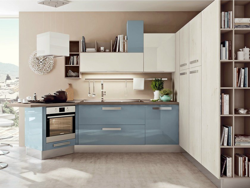 Lacquered fitted kitchen with peninsula SWING | Kitchen with peninsula - Cucine Lube