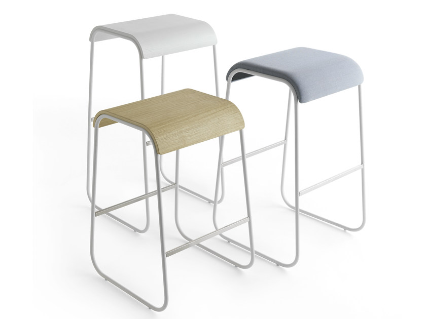 Sled base stool LINEO | Stool by Crassevig